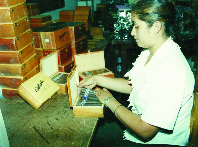 cigar production at bobalu's austin